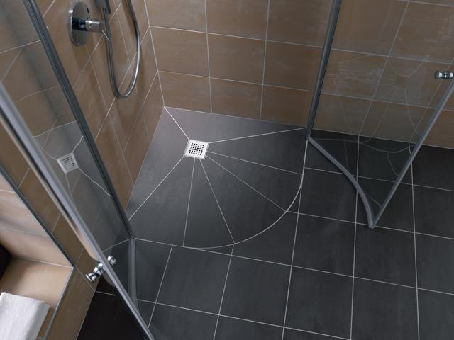 D 8 tips voor het groter laten lijken van een kleine badkamer - Moderne betegelde vloer ...