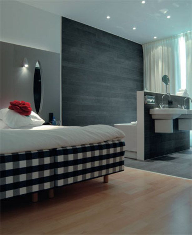12 voorbeelden van een badkamer in de slaapkamer - Lay outs badkamer ...