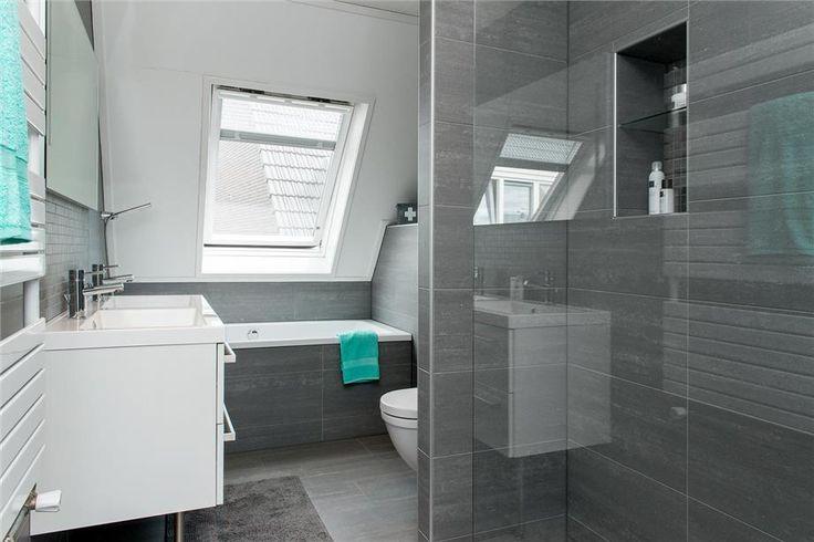 Een kijkje in de nederlandse kleine badkamers kleine badkamers - Badkamer met wastafel ...