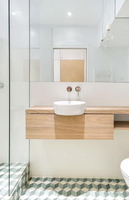 Kleine alles voor en over kleine badkamers - Deco kleine badkamer met bad ...