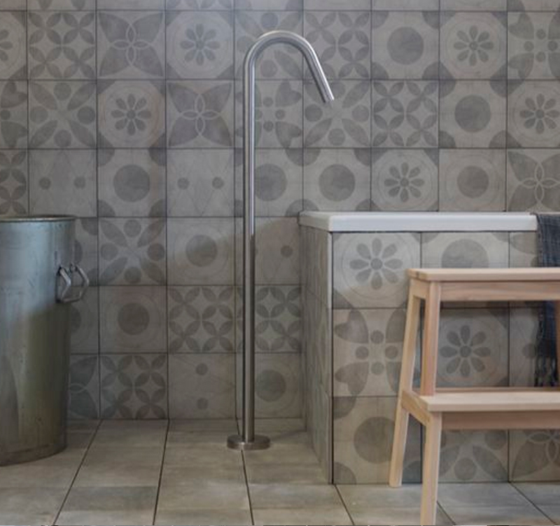 Kleine badkamer met vtwonen tegels - Kleine badkamers