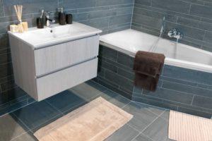 kleine badkamer ligbad