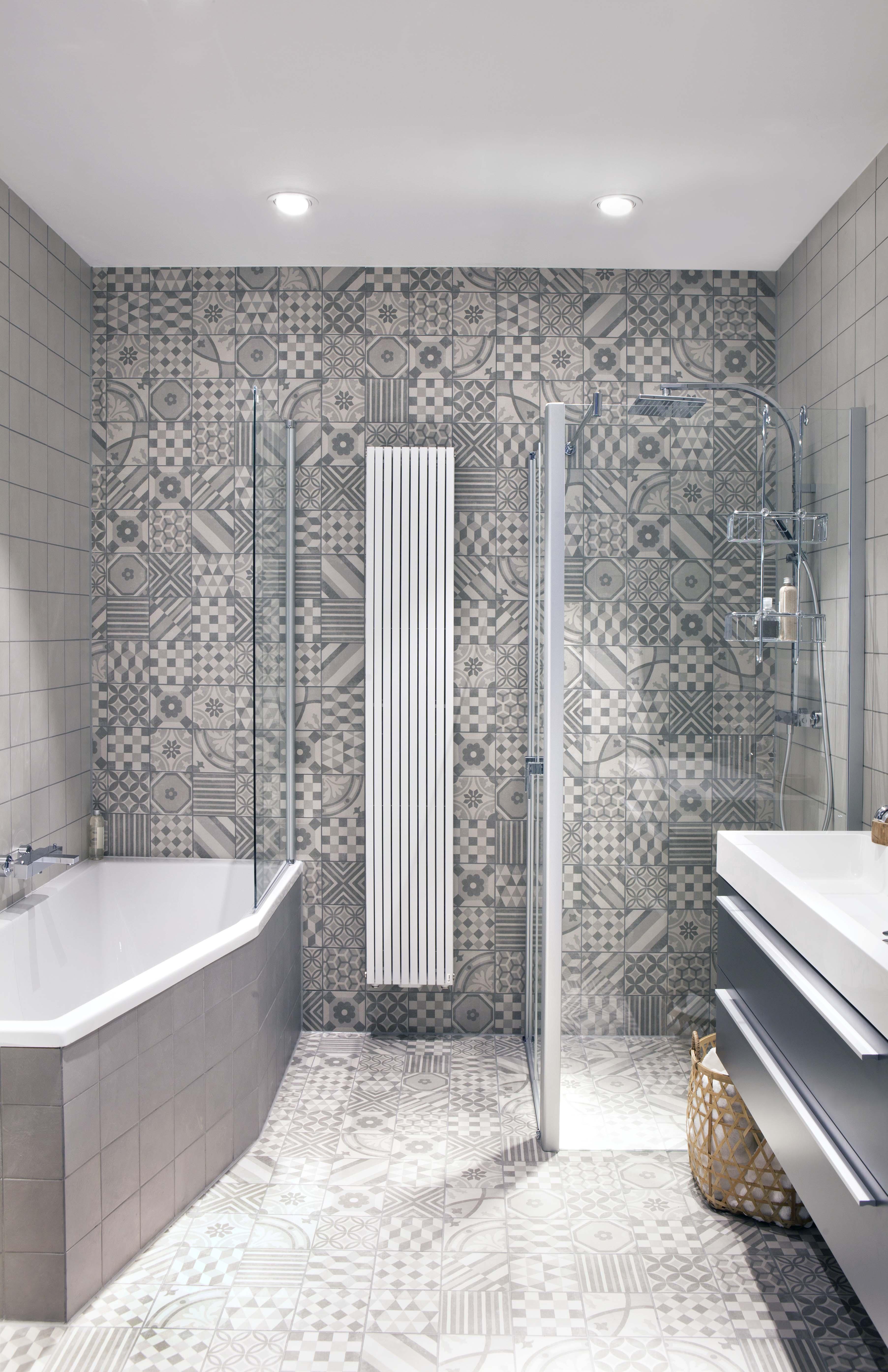 compacte trendy showroombadkamer kleine badkamers